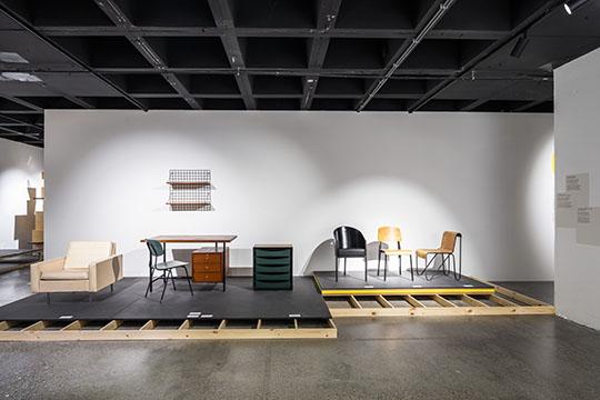 Exposition sur l'évolution des intérieurs bruxellois. Scénographie: stoz.design