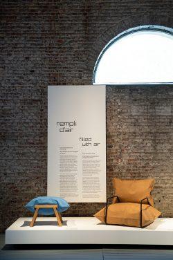 Exposition sur le design et l'air au CID au Grand-Hornu. Scénographie réalisée par l'atelier stoz.design